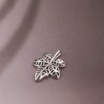 Pendentif feuille d'automne plaqué rhodium 01C3300