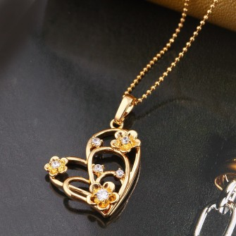 Pendentif Coeur et ses pierres de zirconium Plaqué Or 01C3309