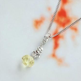 Pendentif fashion avec pierre de zirconium couleur pomme 01C3327