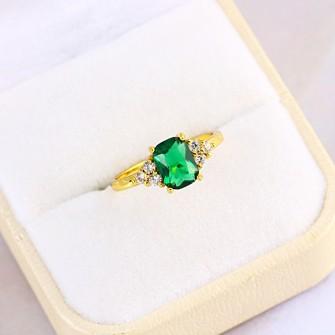 Bague fashion avec sa pierre de zirconium verte plaqué or 18k - 750/000 01E6838
